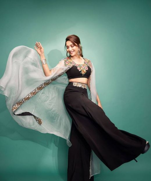 Madhuri Dixit Contact Address, Phone Number, Whatsapp Number, Email ID, Website 18