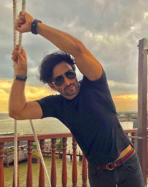 How to Meet Shaheer Sheikh Personally and Face to Face 7