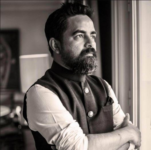 How to Meet Sabyasachi Mukherjee Personally and Face to Face