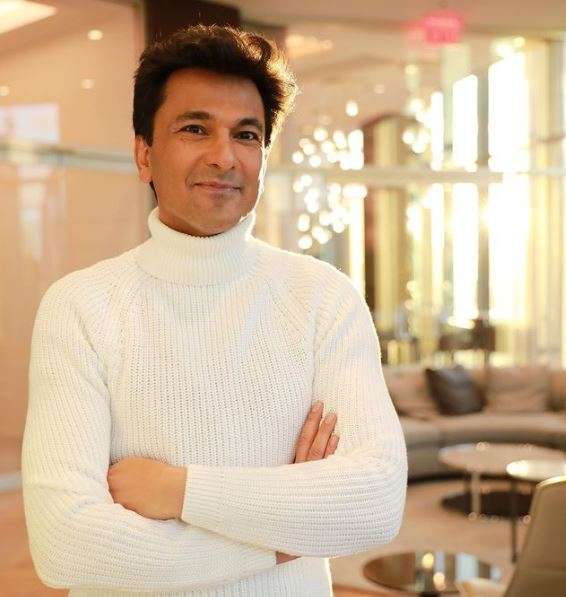 How to Meet Vikas Khanna Personally and Face to Face