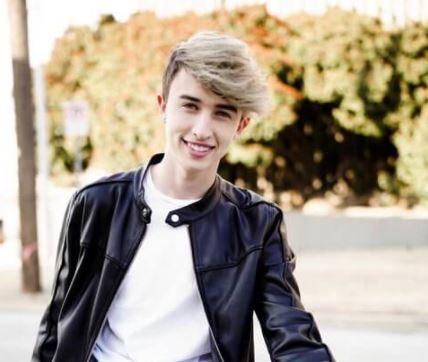 Maverick Baker Contact Address, Fanmail Address, Phone Number, Whatsapp Number, Email ID, Website 10