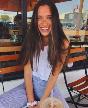 Hannah Meloche Contact Address, Fanmail Address, Phone Number, Whatsapp Number, Email ID, Website 11
