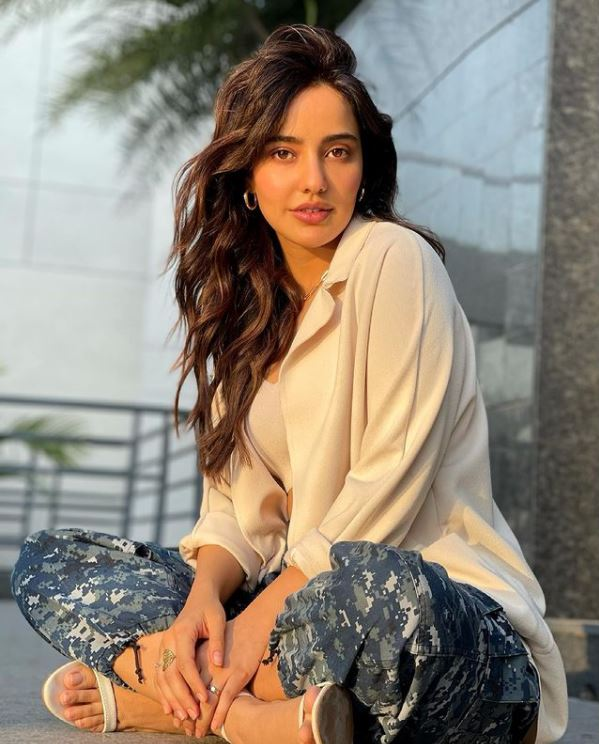 How to Meet Neha Sharma Personally and Face to Face 6