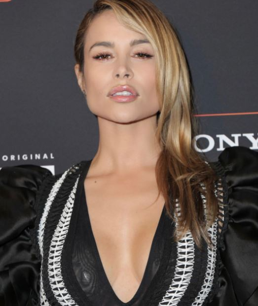 Zulay Henao Contact Address, Phone Number, Whatsapp Number, Fanmail Address, Email ID, Website