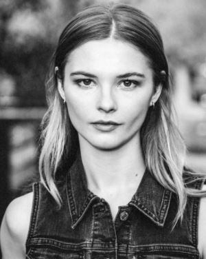 Stefanie Scott Contact Address, Phone Number, Whatsapp Number, Fanmail Address, Email ID, Website 11