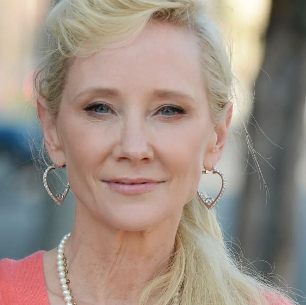 Anne Heche Contact Address, Phone Number, Whatsapp Number, Fanmail Address, Email ID, Website 9