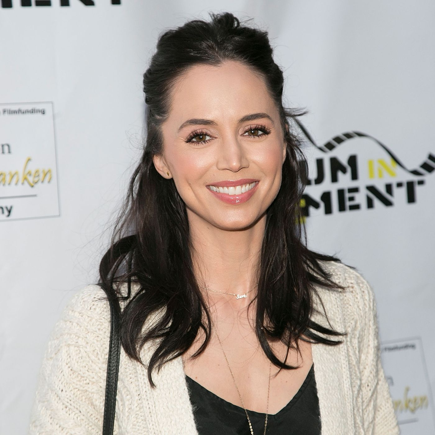 Eliza Dushku Contact Address, Phone Number, Whatsapp Number, Fanmail Address, Email ID, Website 10