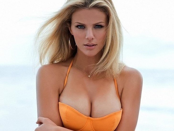Brooklyn Decker Contact Address, Phone Number, Whatsapp Number, Fanmail Address, Email ID, Website 9