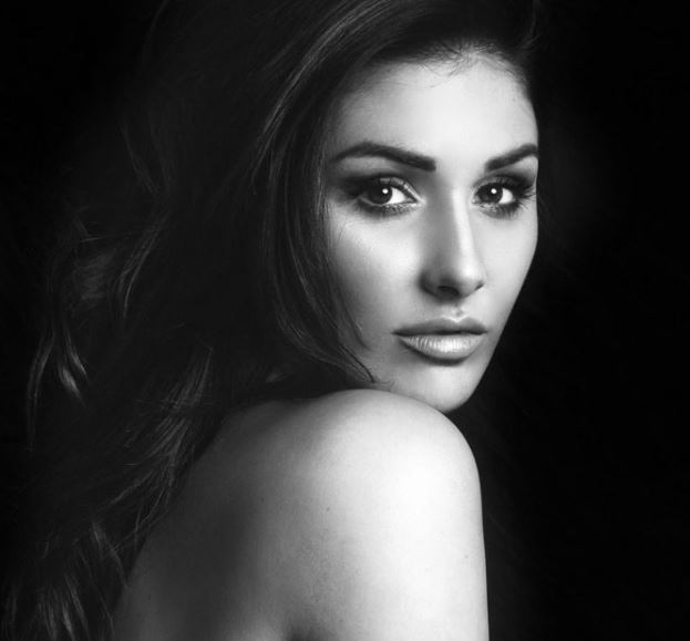 Lucy Pinder Contact Address, Phone Number, Whatsapp Number, Fanmail Address, Email ID, Website 11
