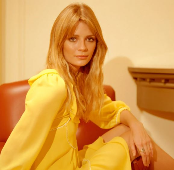 Mischa Barton Contact Address, Phone Number, Whatsapp Number, Fanmail Address, Email ID, Website 15