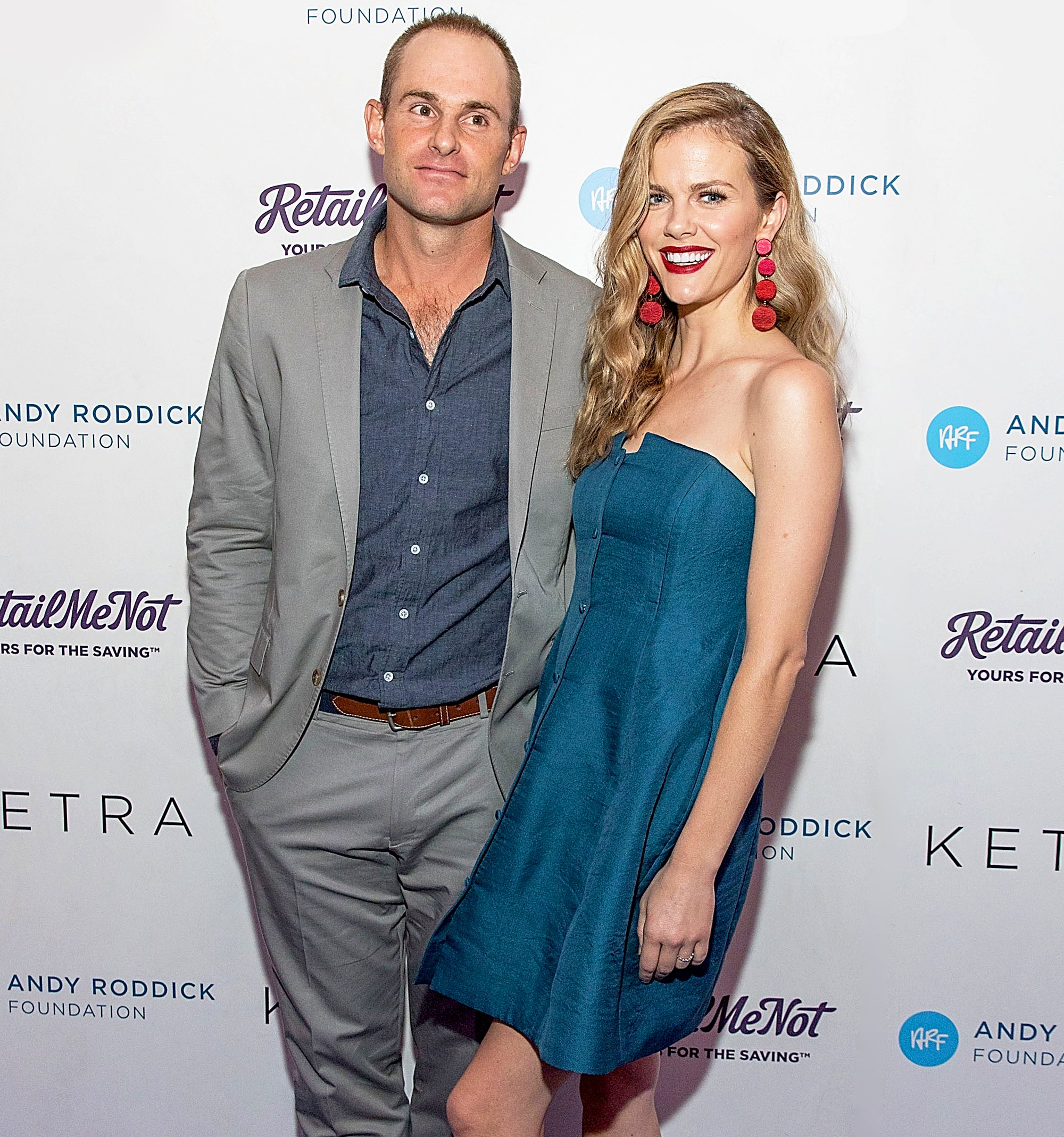 Brooklyn Decker Contact Address, Phone Number, Whatsapp Number, Fanmail Address, Email ID, Website 13