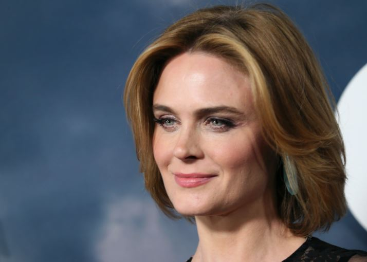 Emily Deschanel Contact Address, Phone Number, Whatsapp Number, Fanmail Address, Email ID, Website 10