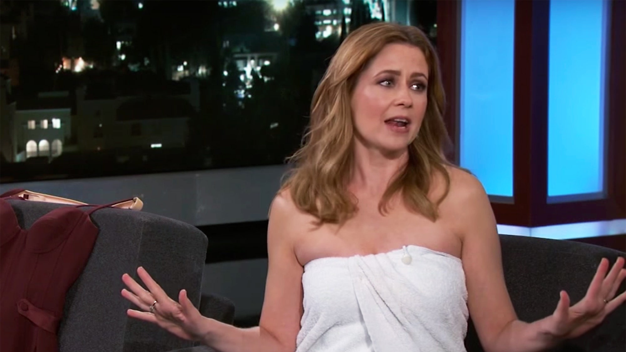 Jenna Fischer Contact Address, Phone Number, Whatsapp Number, Fanmail Address, Email ID, Website 12