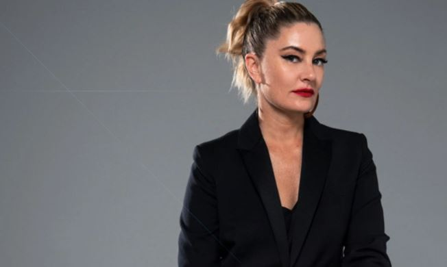 Mädchen Amick Contact Address, Phone Number, Whatsapp Number, Fanmail Address, Email ID, Website 11