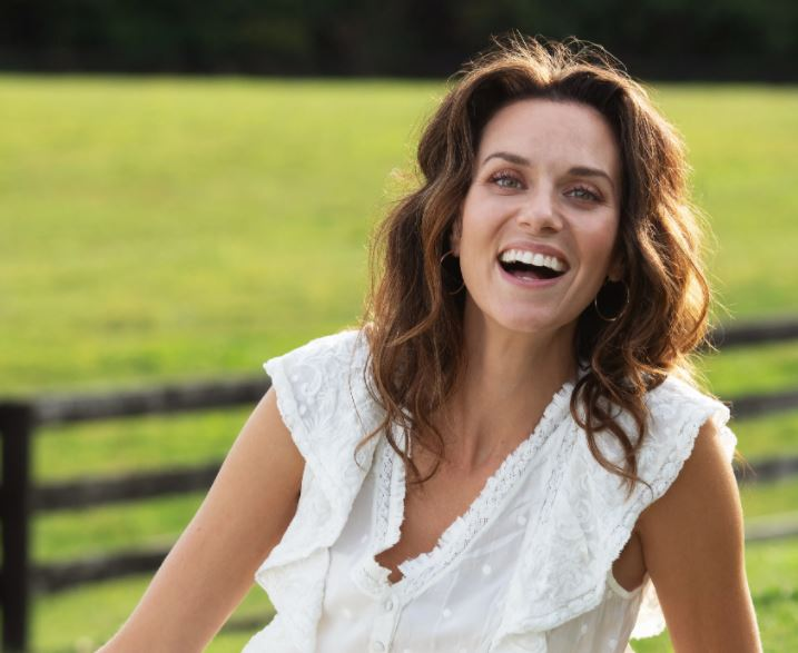 Hilarie Burton Contact Address, Phone Number, Whatsapp Number, Fanmail Address, Email ID, Website 12