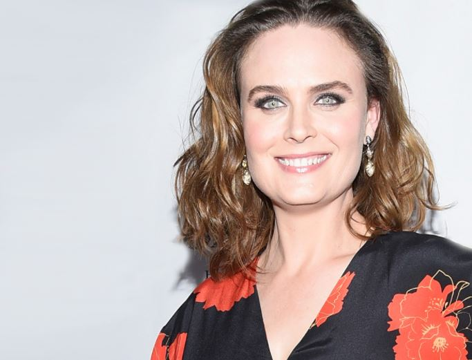Emily Deschanel Contact Address, Phone Number, Whatsapp Number, Fanmail Address, Email ID, Website