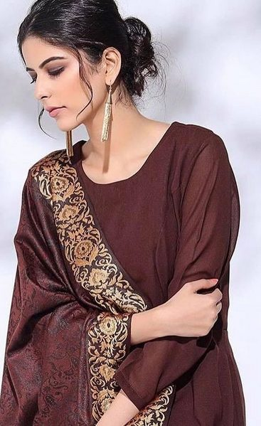 Saloni Khanna Contact Address, Phone Number, Whatsapp Number, Fanmail Address, Email ID, Website 15