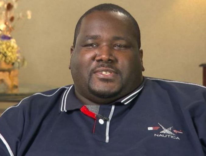 Quinton Aaron Contact Address, Phone Number, Whatsapp Number, Fanmail Address, Email ID, Website 11