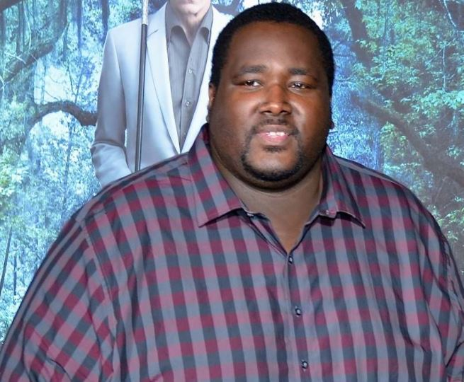 Quinton Aaron Contact Address, Phone Number, Whatsapp Number, Fanmail Address, Email ID, Website 13