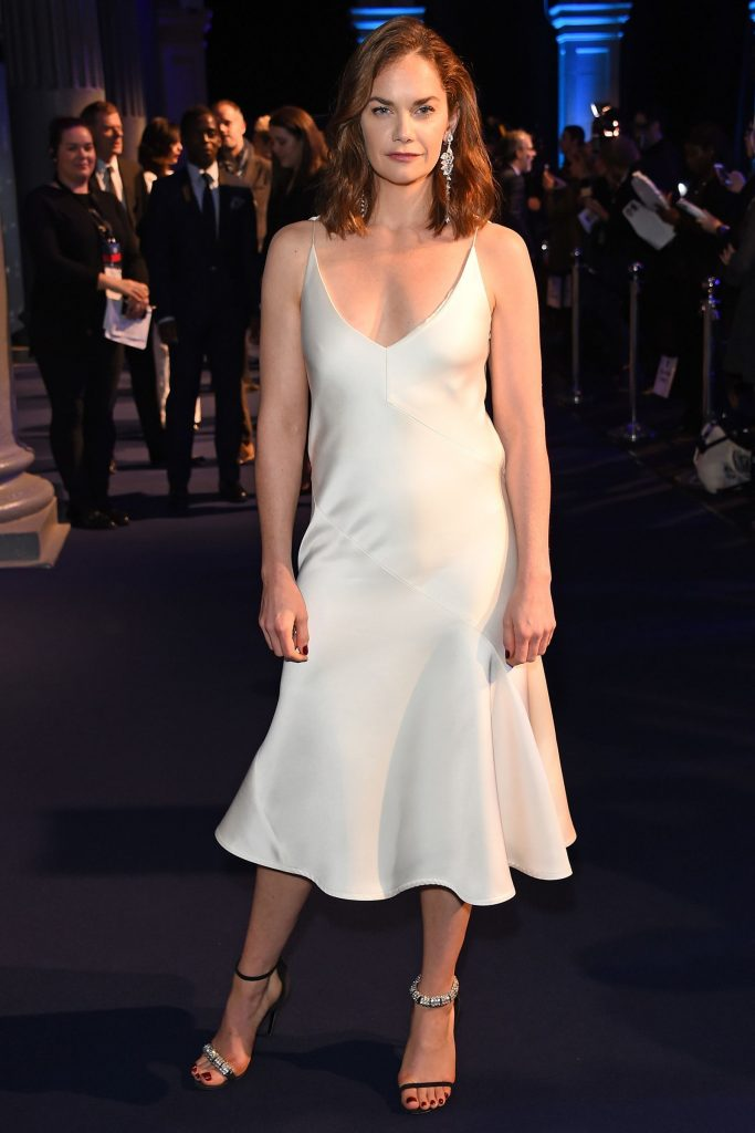 Ruth Wilson Contact Address, Phone Number, Whatsapp Number, Fanmail Address, Email ID, Website 14